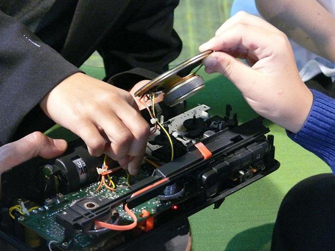 Noisy Toys Circuit Bending
